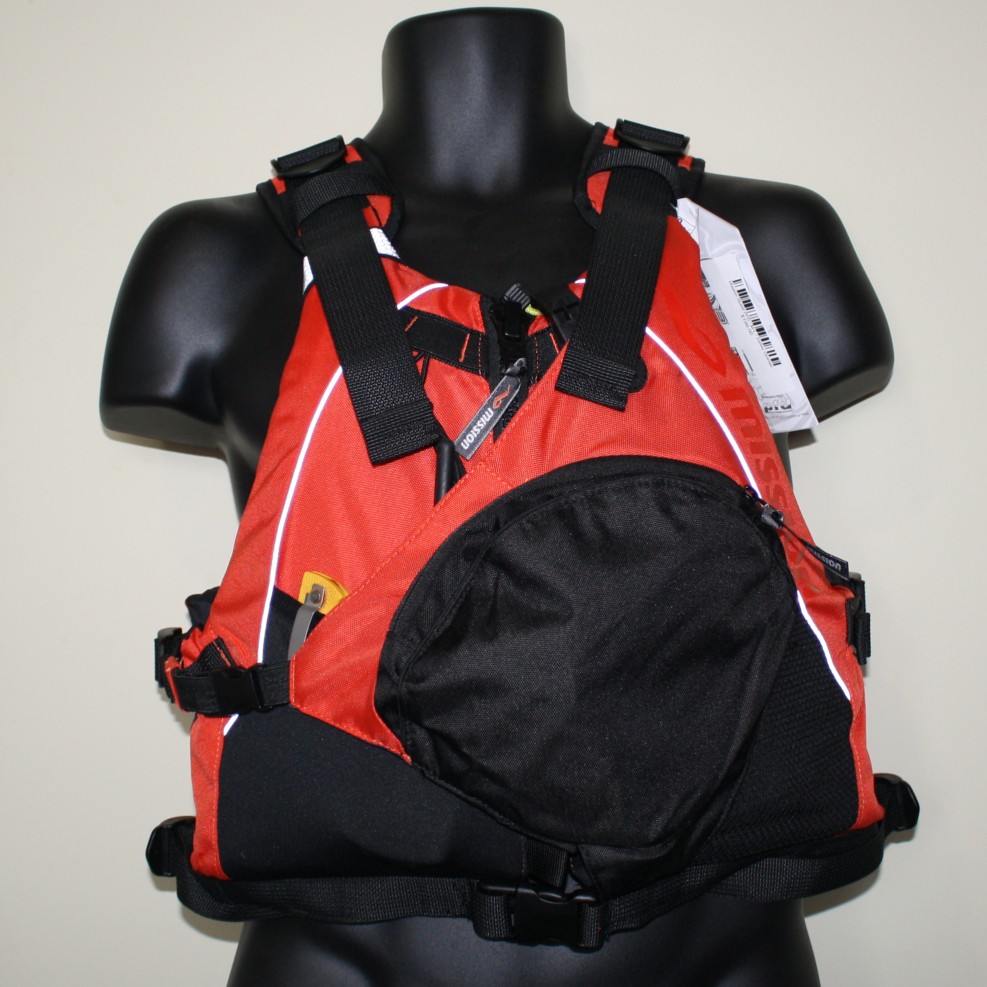 How much pocket space does a Mission Quest PFD have?