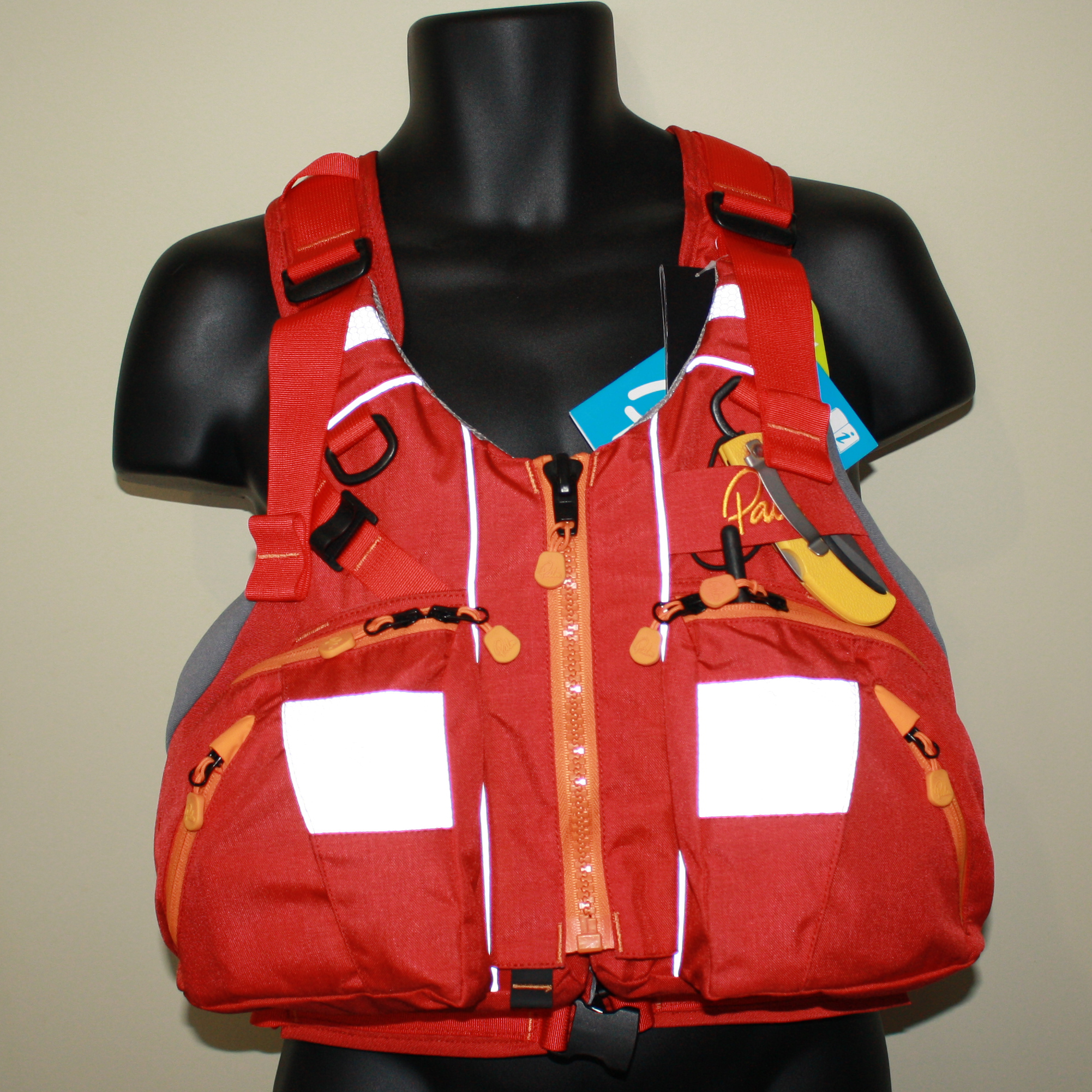 How much pocket space does a Palm Kaikoura PFD have?